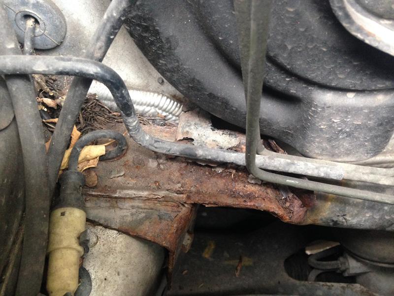 Pleas help identify body part engine bay-image1-5-.jpg